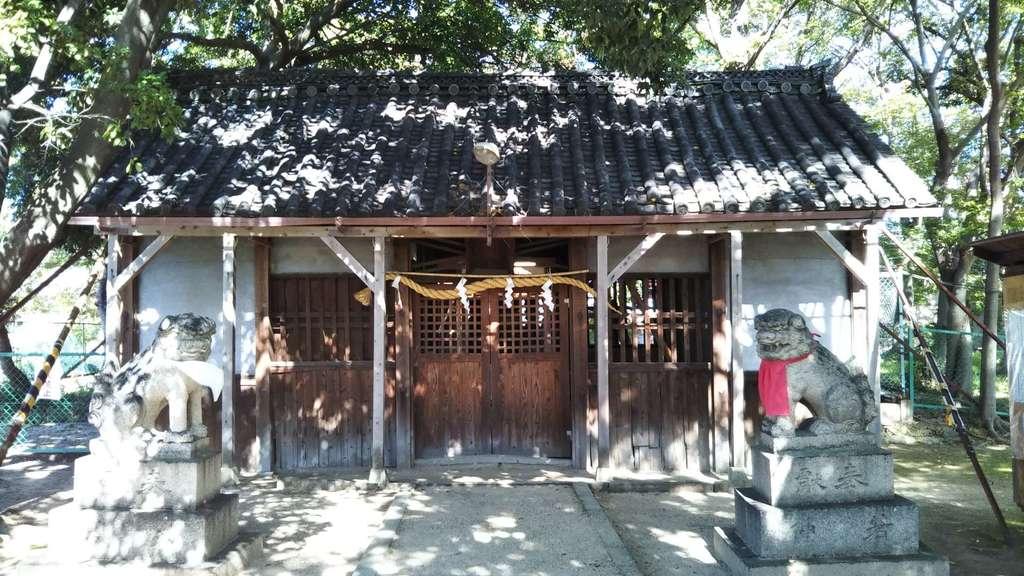 深居神社の本殿