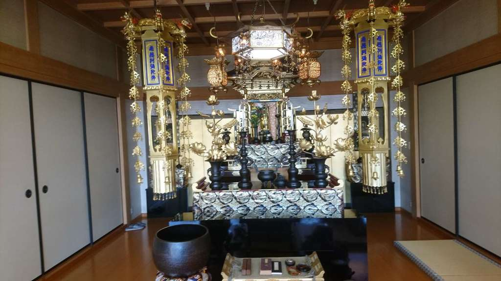 西方山極楽寺の本殿