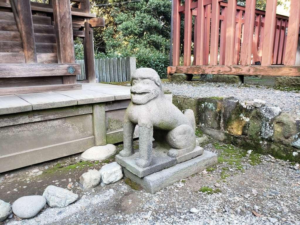 雷電神社の狛犬
