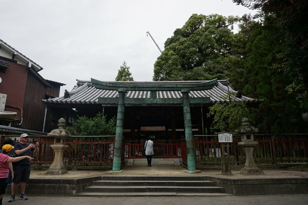 三翁神社の鳥居