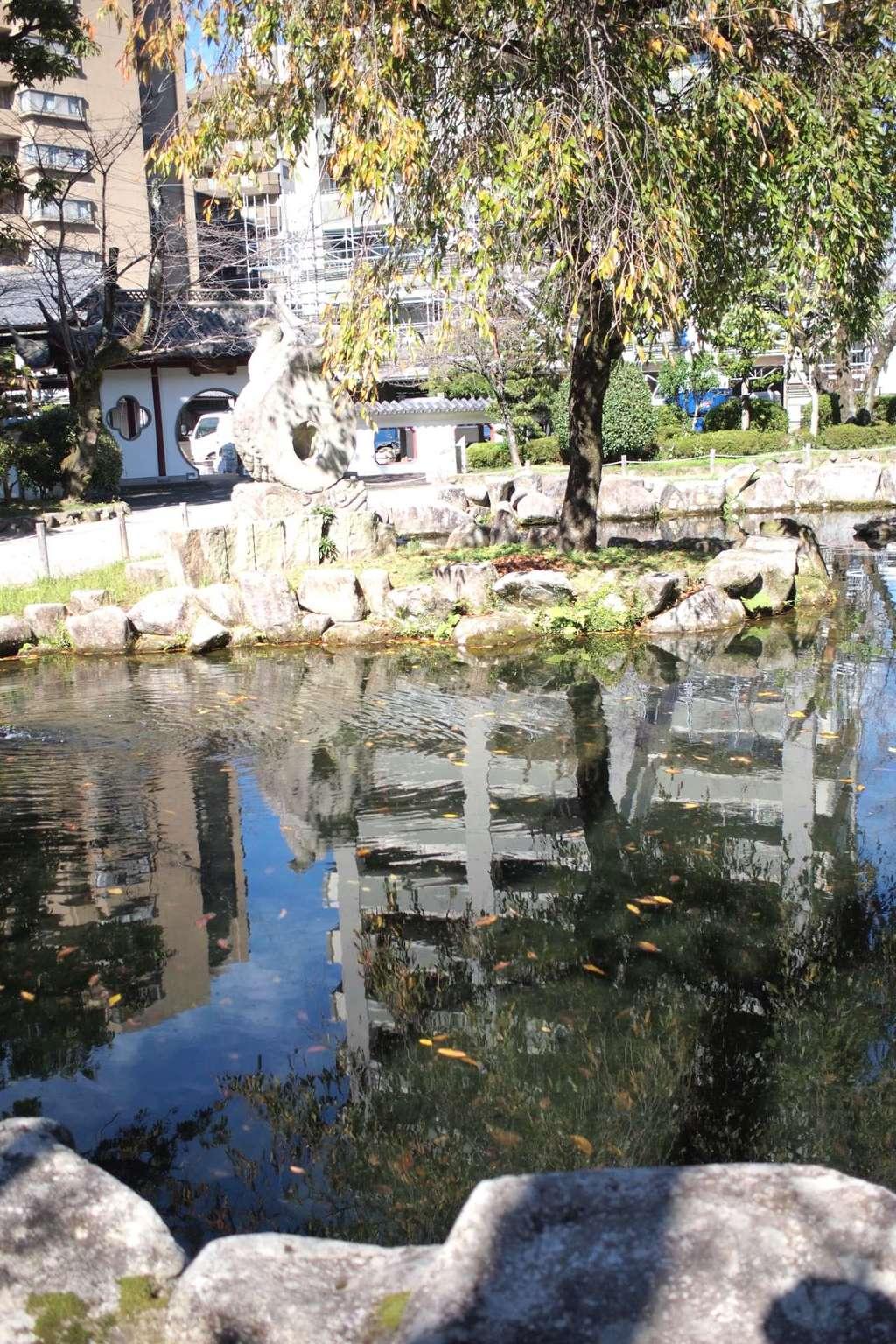 岐阜護国神社の庭園