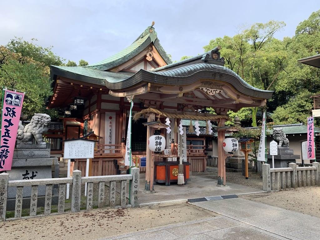 服部住吉神社の本殿