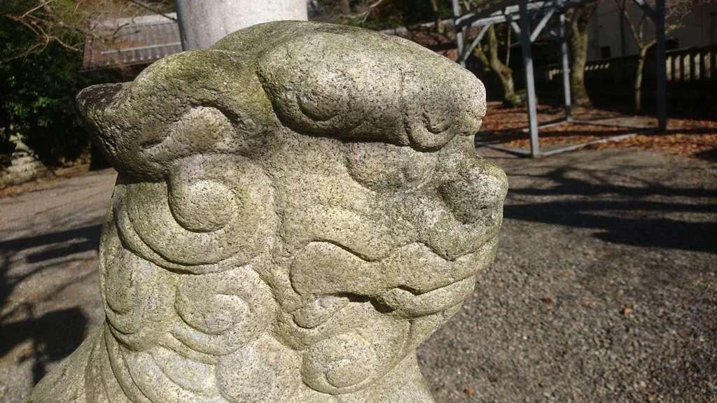 天鷹神社の狛犬