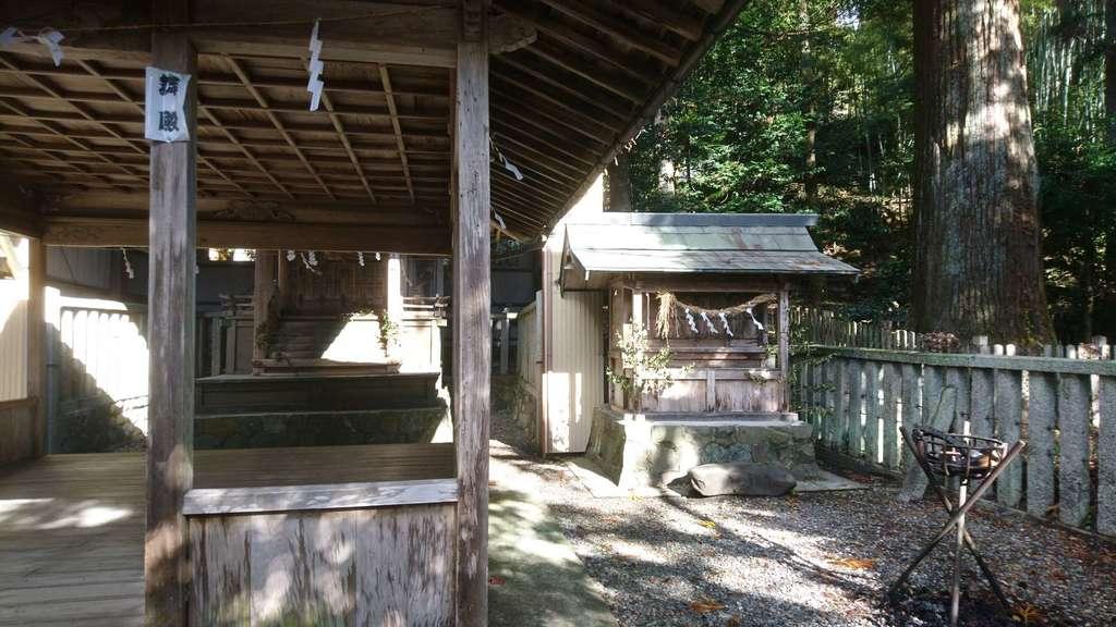 天鷹神社の末社