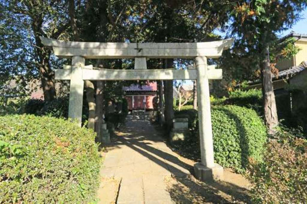 安行氷川神社の鳥居