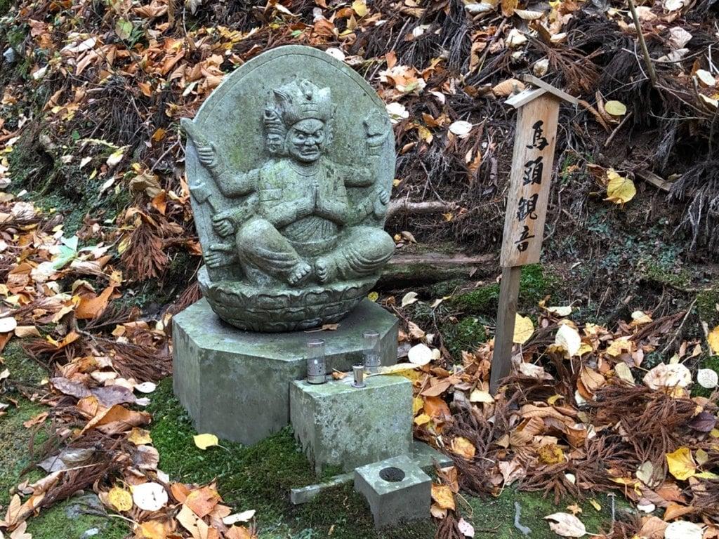 寺下観音の像