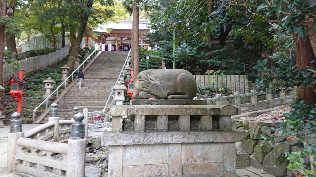 枚岡神社の狛犬