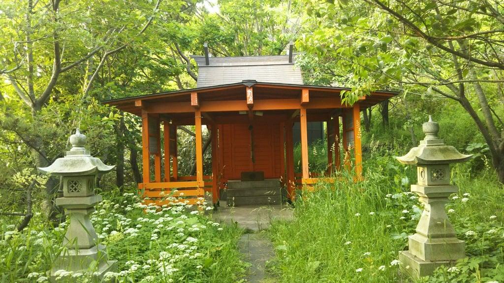 伊丹来稲荷神社の本殿