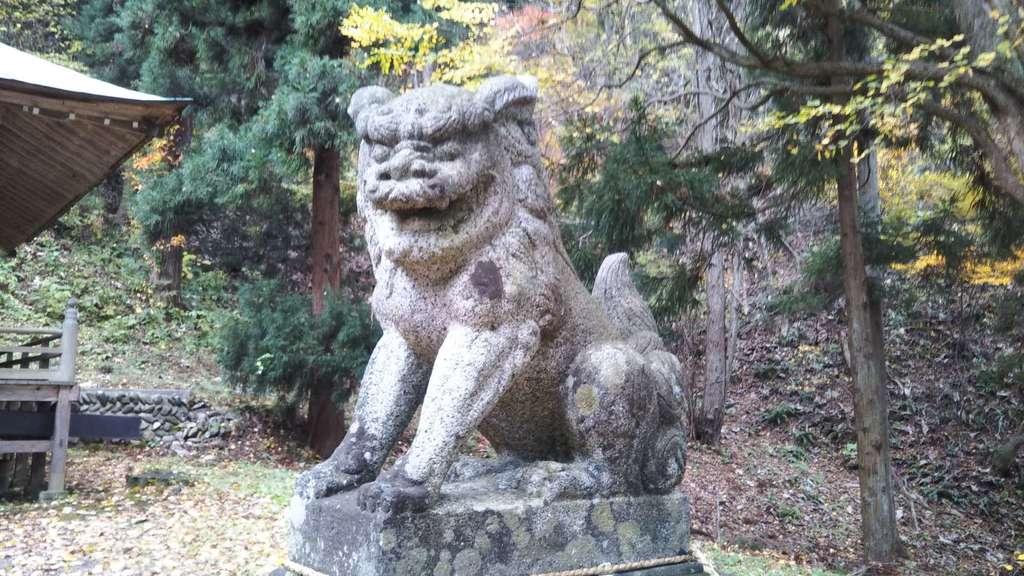 鹿妻神社の狛犬