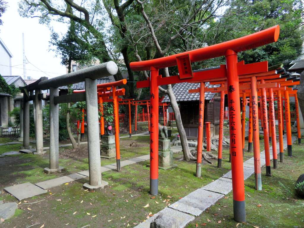 三囲神社(三越神社)の鳥居
