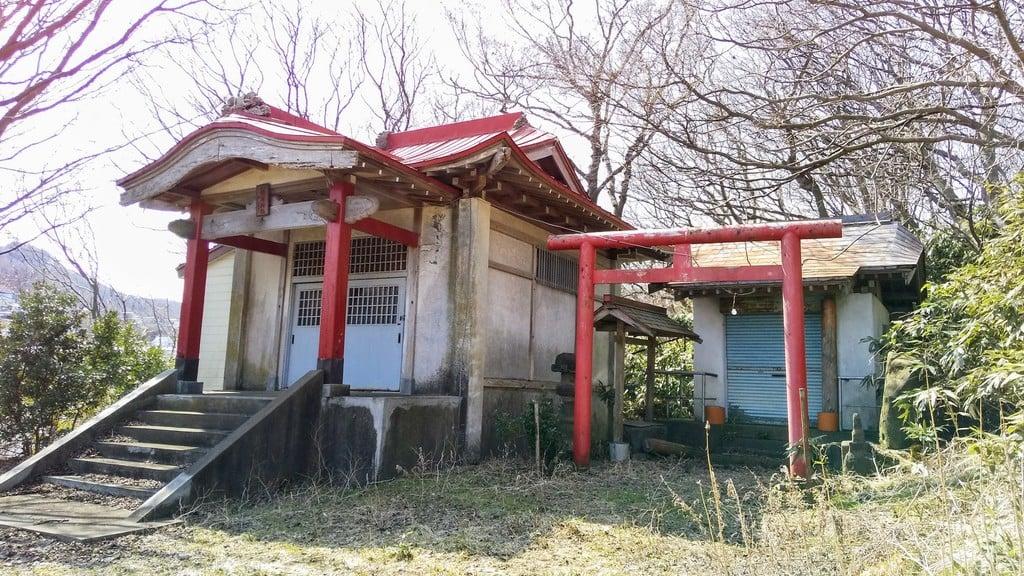 小橋内稲荷神社の本殿