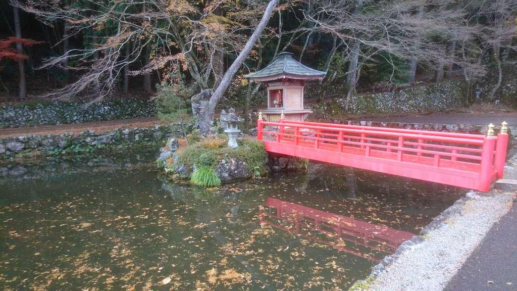 甘南美寺の庭園