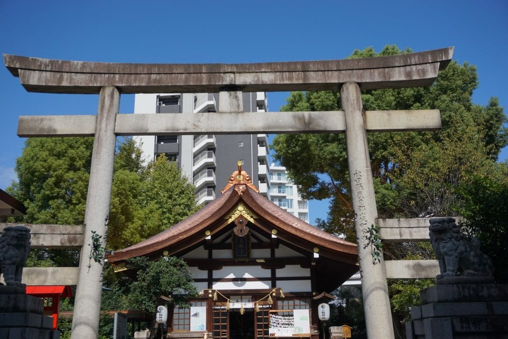 三輪神社の鳥居