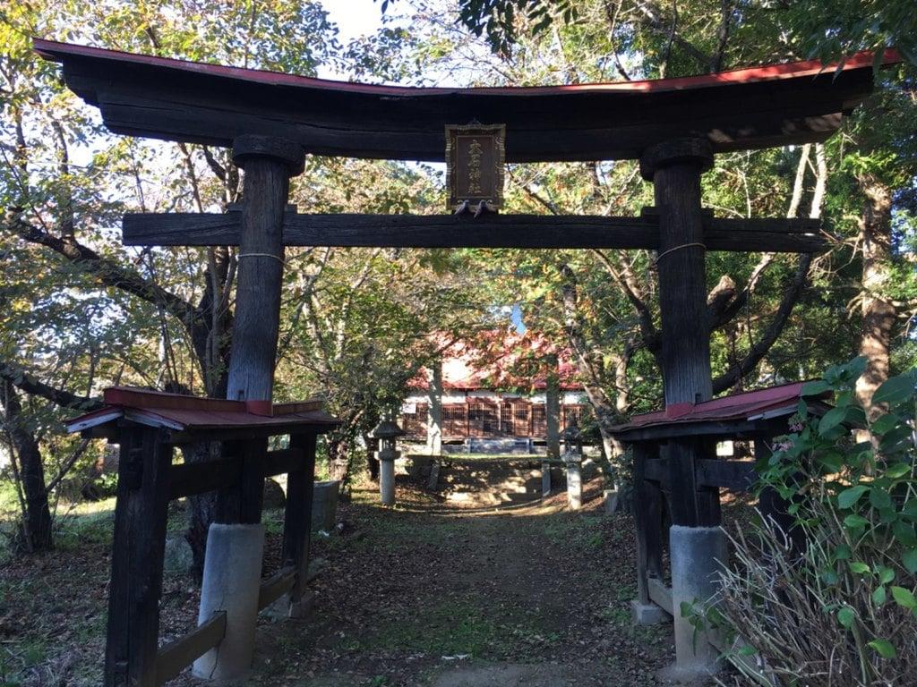 大石神社の鳥居