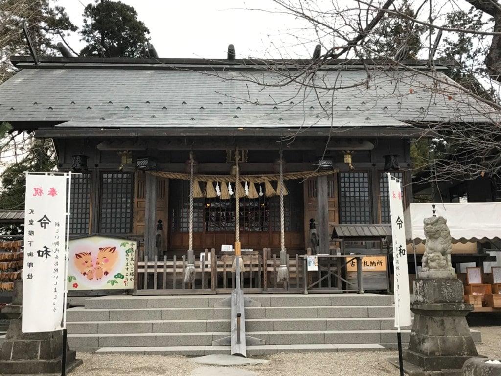 二柱神社の本殿
