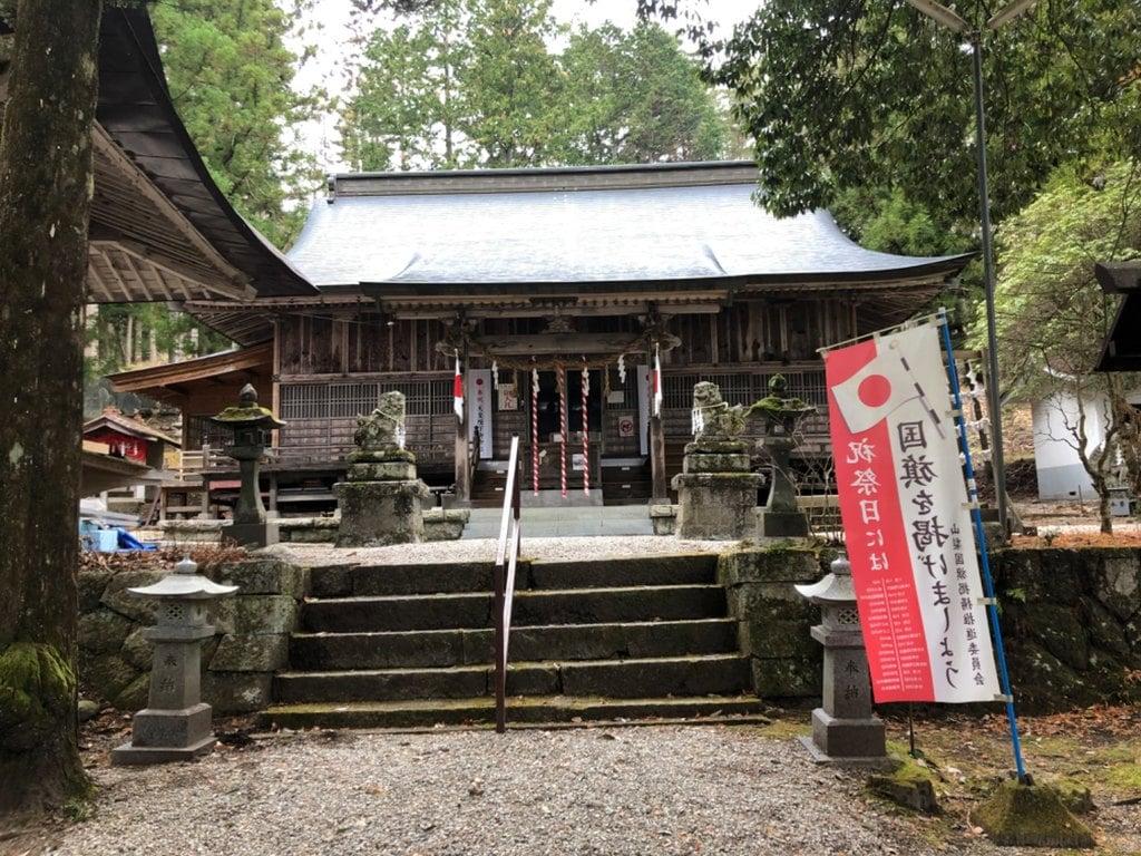 駒ヶ嶽神社(前宮)の本殿