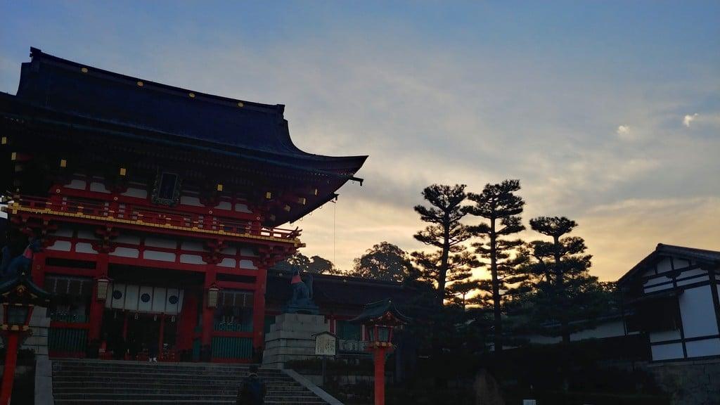 伏見稲荷大社の山門