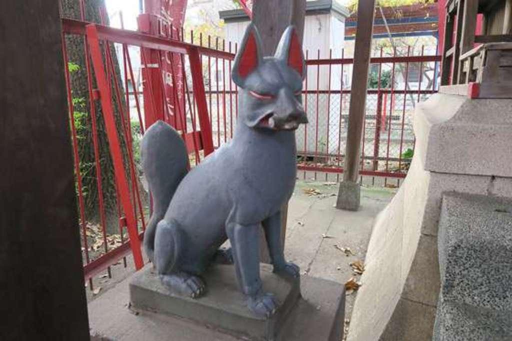 三和稲荷神社の狛犬