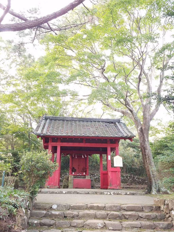 伊豆山神社の末社
