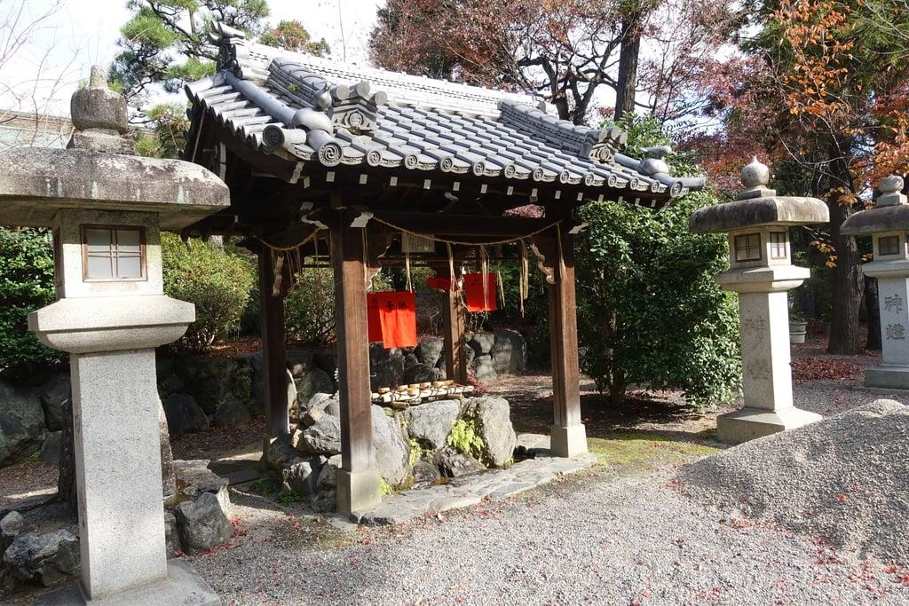 萱野神社の手水