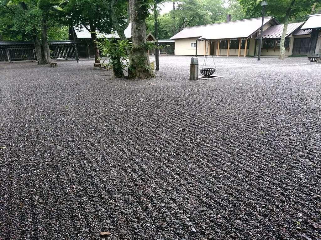 千歳神社の庭園