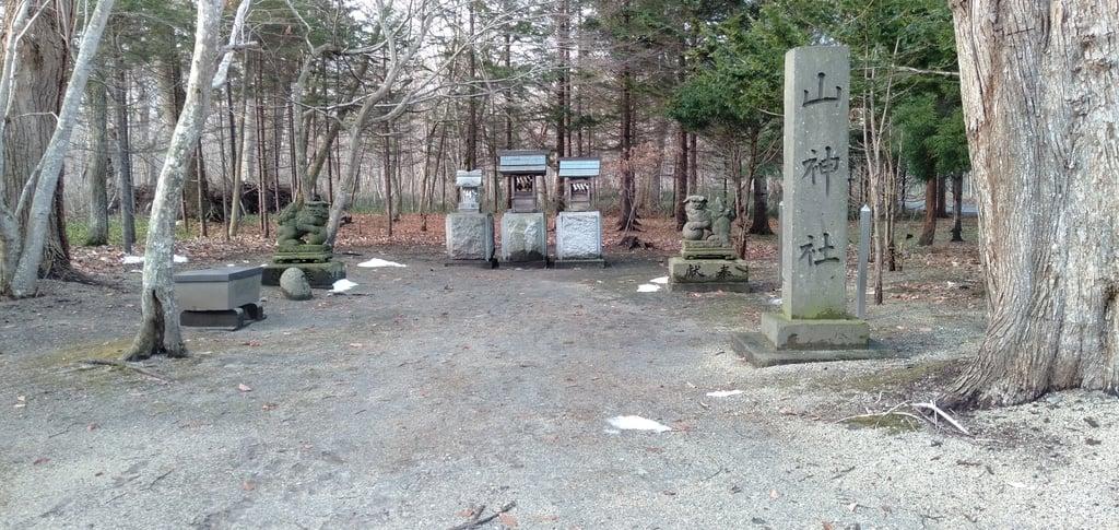 千歳神社の末社