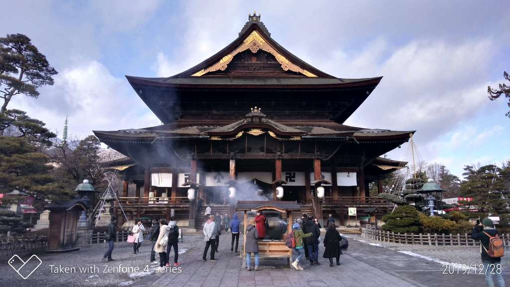 善光寺の本殿