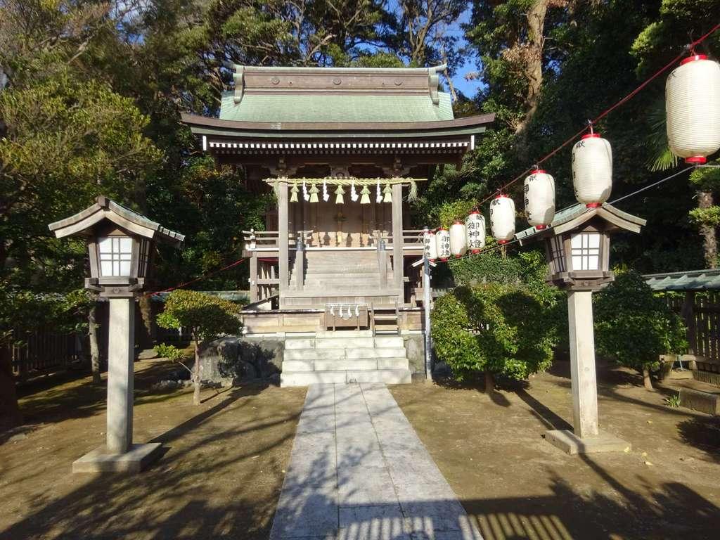 片瀬諏訪神社の本殿