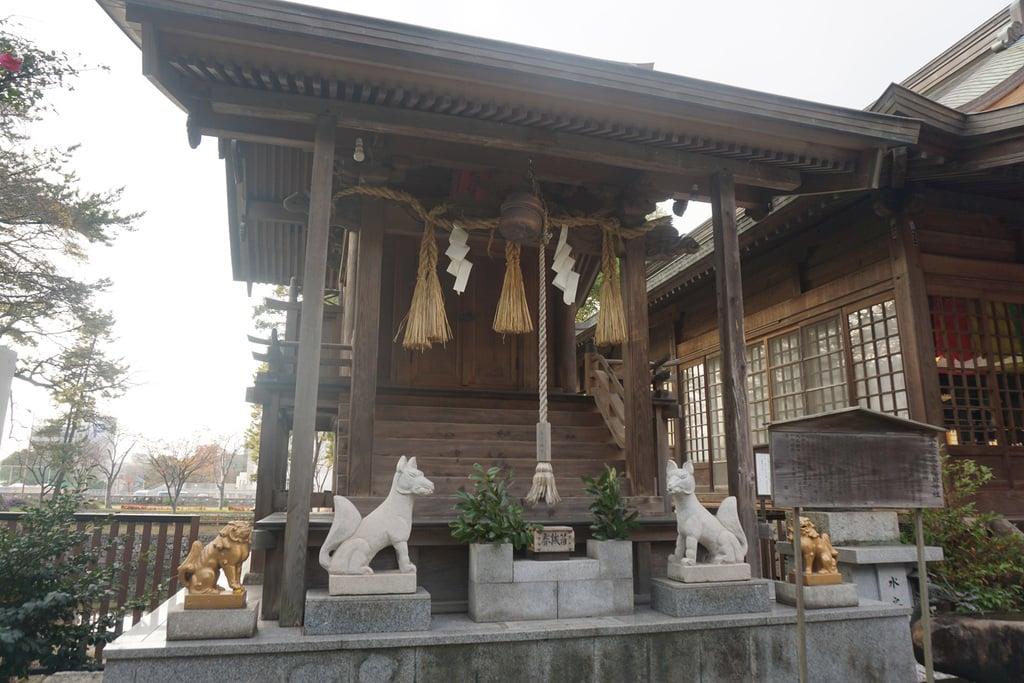 小倉祇園八坂神社の末社