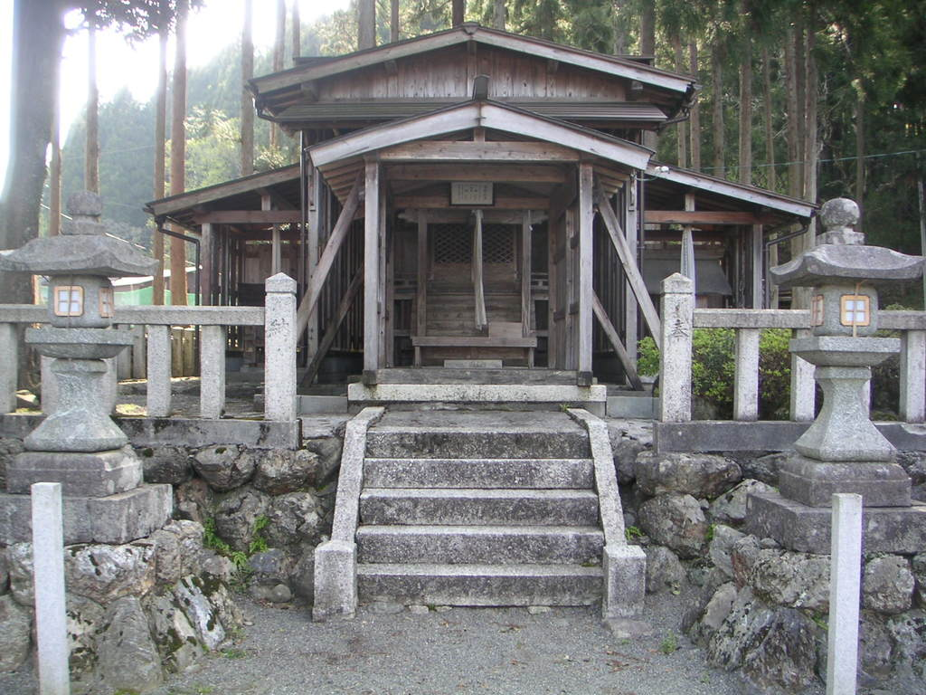 志子淵神社の本殿
