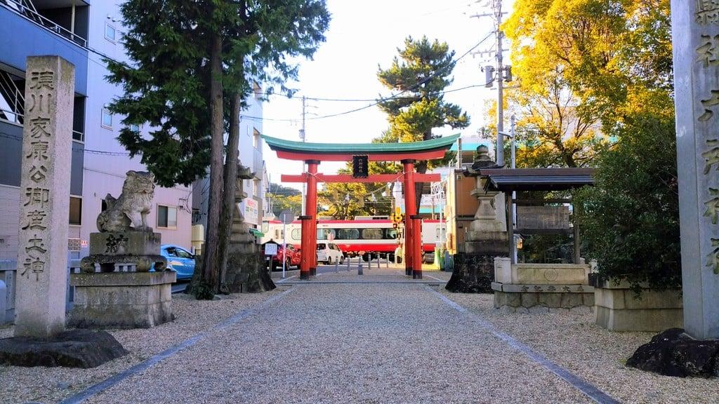 六所神社の建物その他