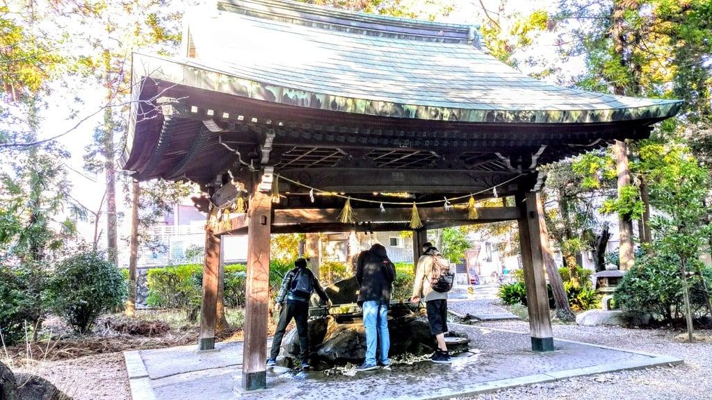 六所神社の手水