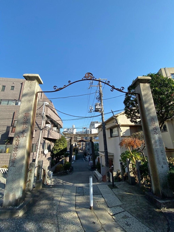 白山神社の山門