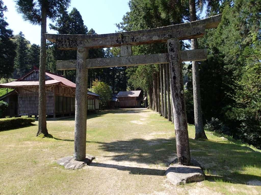 飯石神社の鳥居