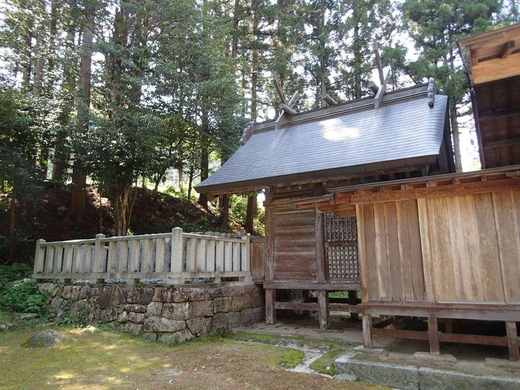 飯石神社の本殿