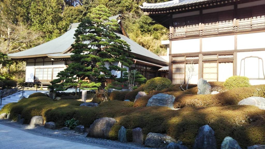 尊永寺の庭園