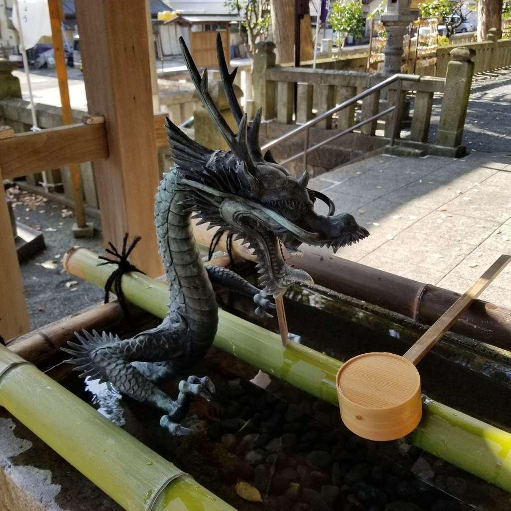 五所神社の手水