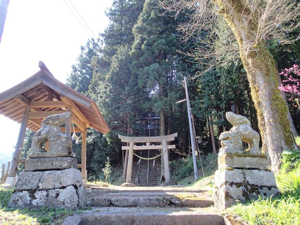 比太神社の狛犬