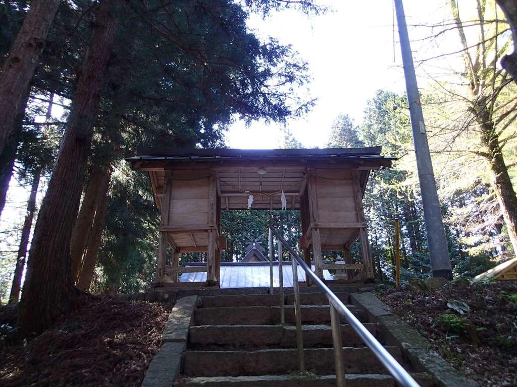 比太神社の山門