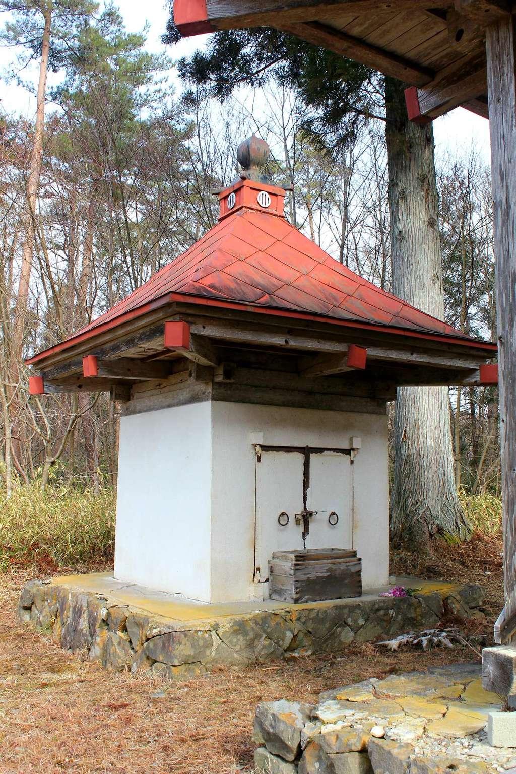 華足寺の建物その他