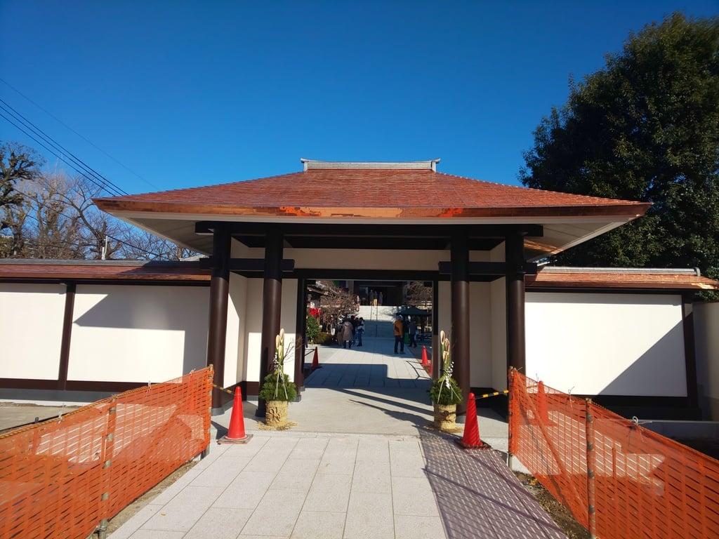 南藏院の山門