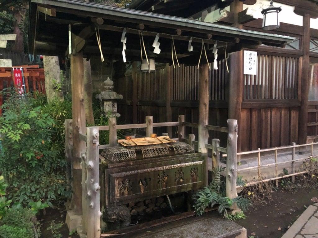 花園稲荷神社の手水