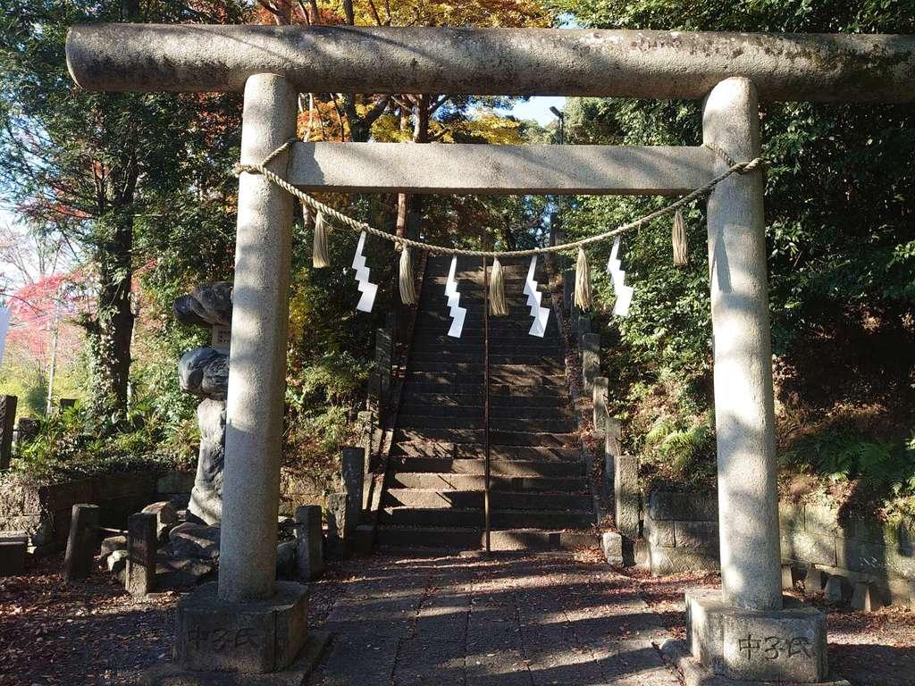 諏訪八幡神社の鳥居