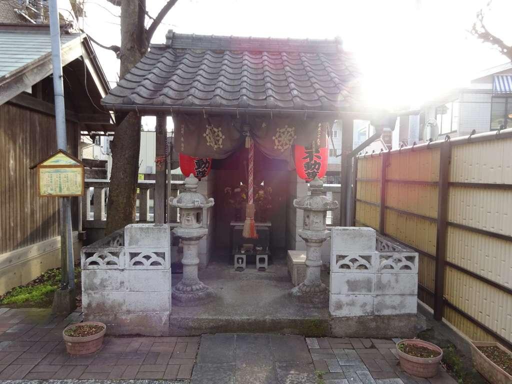 橘樹神社の末社