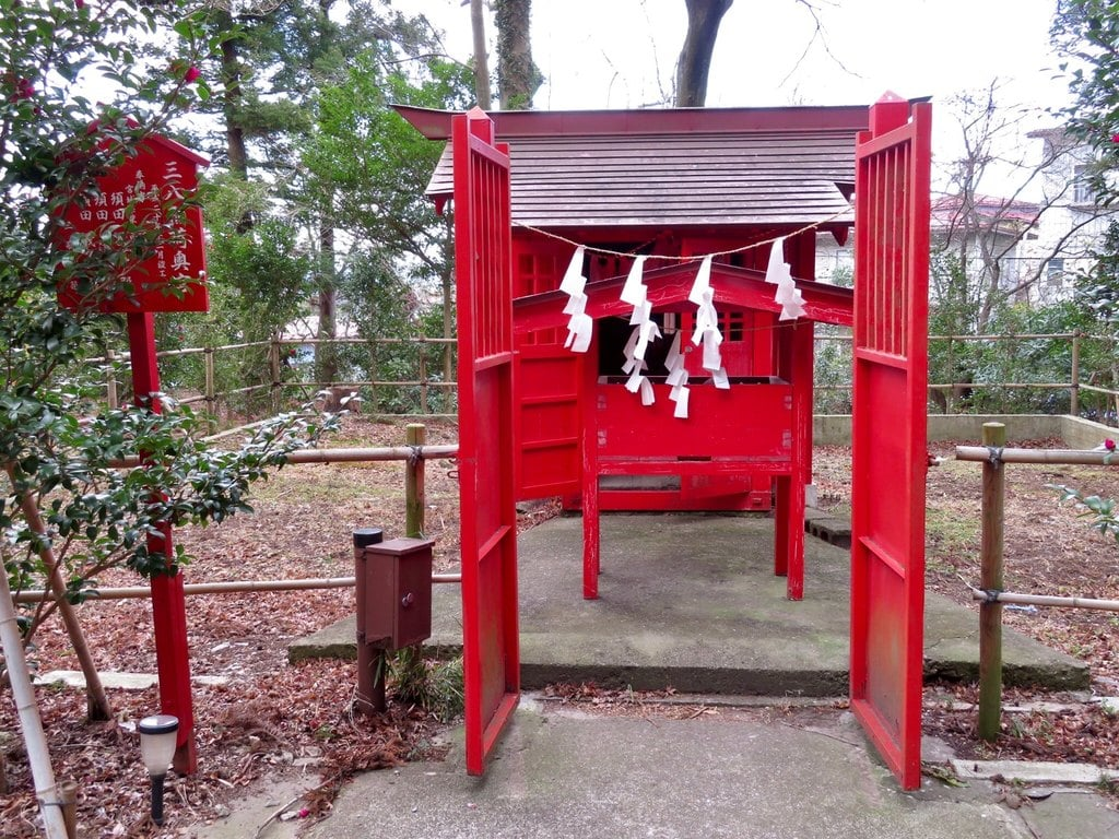神炊館神社の末社
