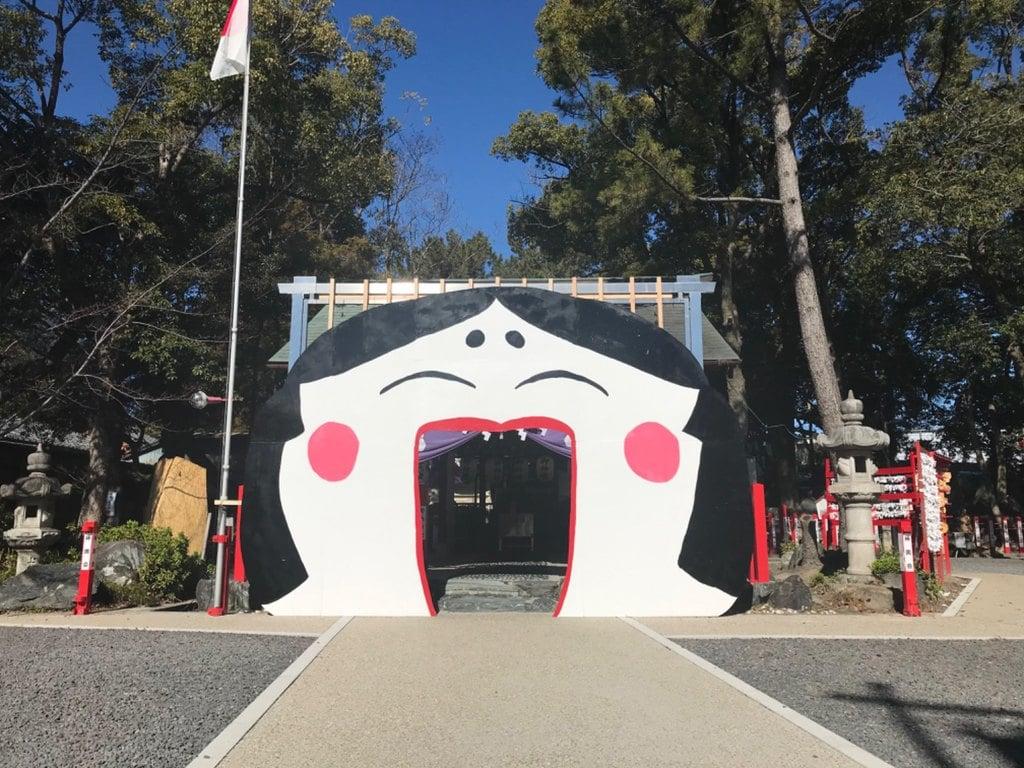 別小江神社の山門
