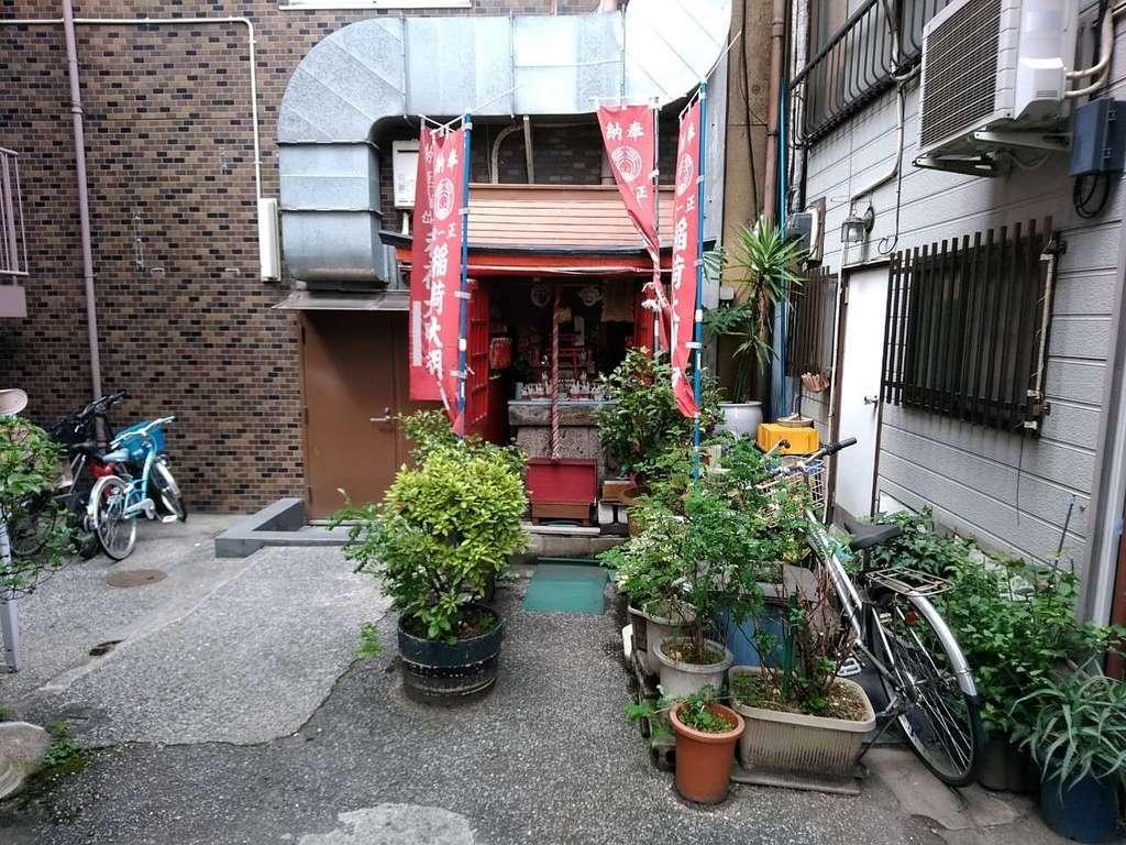 開徳稲荷神社の建物その他