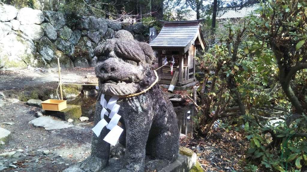氷上神社の狛犬