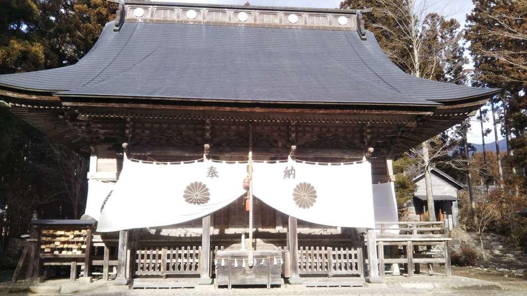 氷上神社の本殿