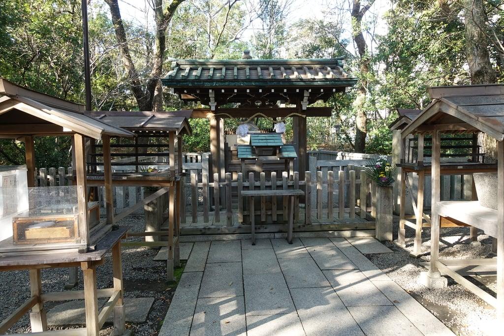 湊川神社のお墓
